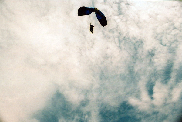 11_skydiving_photo
