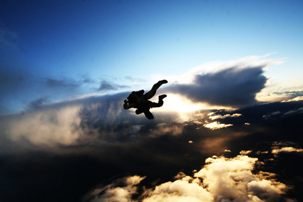 13_skydiving_photo