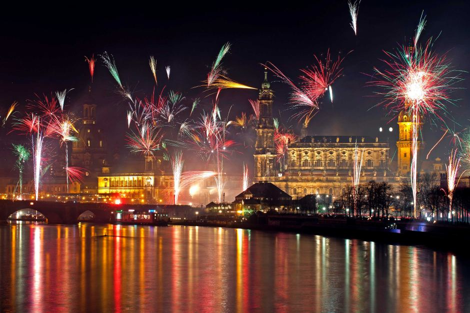 elbe river germany fireworks 2013