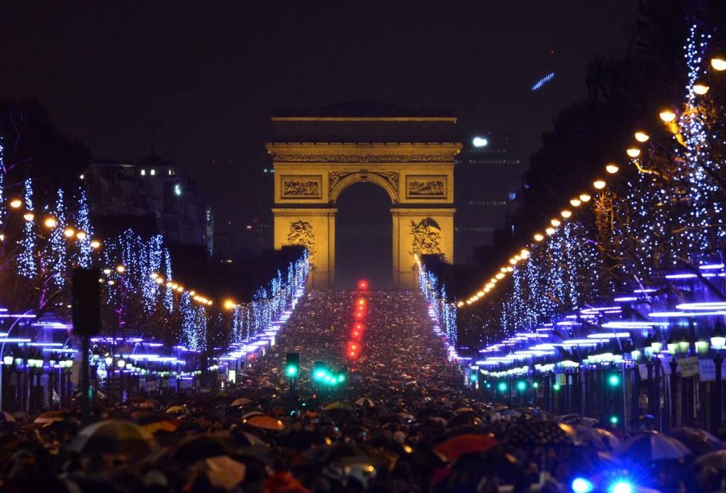 paris new year fireworks 2013