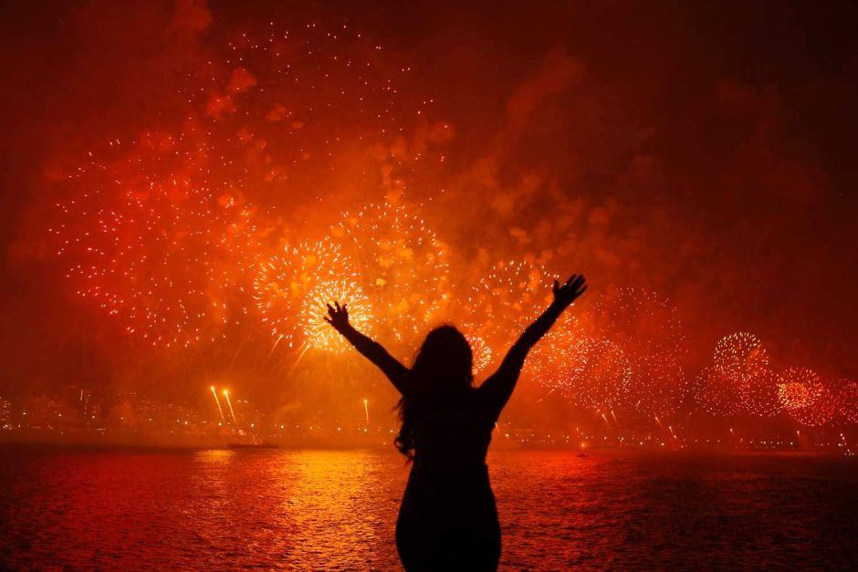 rio new year fireworks 2013