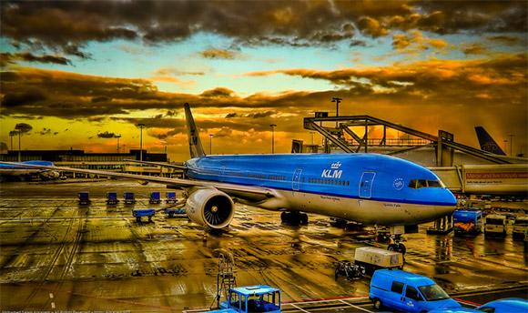KLM Status: Loading