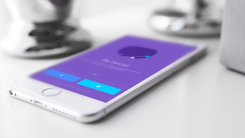 iOS App Showcase PSD Mockup