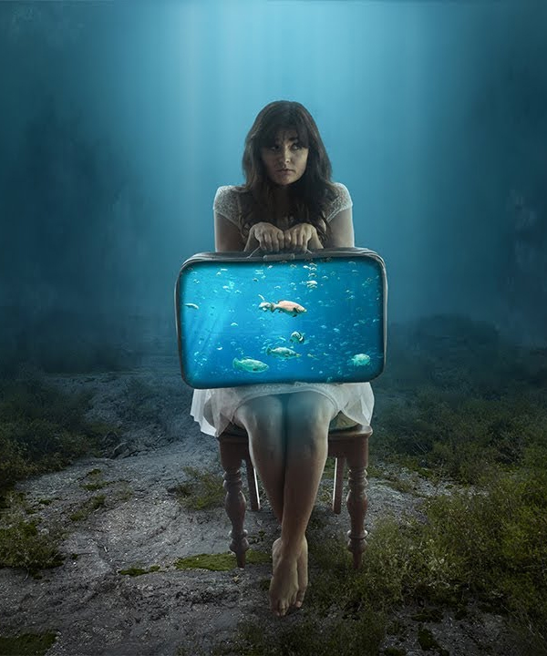 How to Make a Fantasy Aquarium Suitcase in Photoshop Tutorial